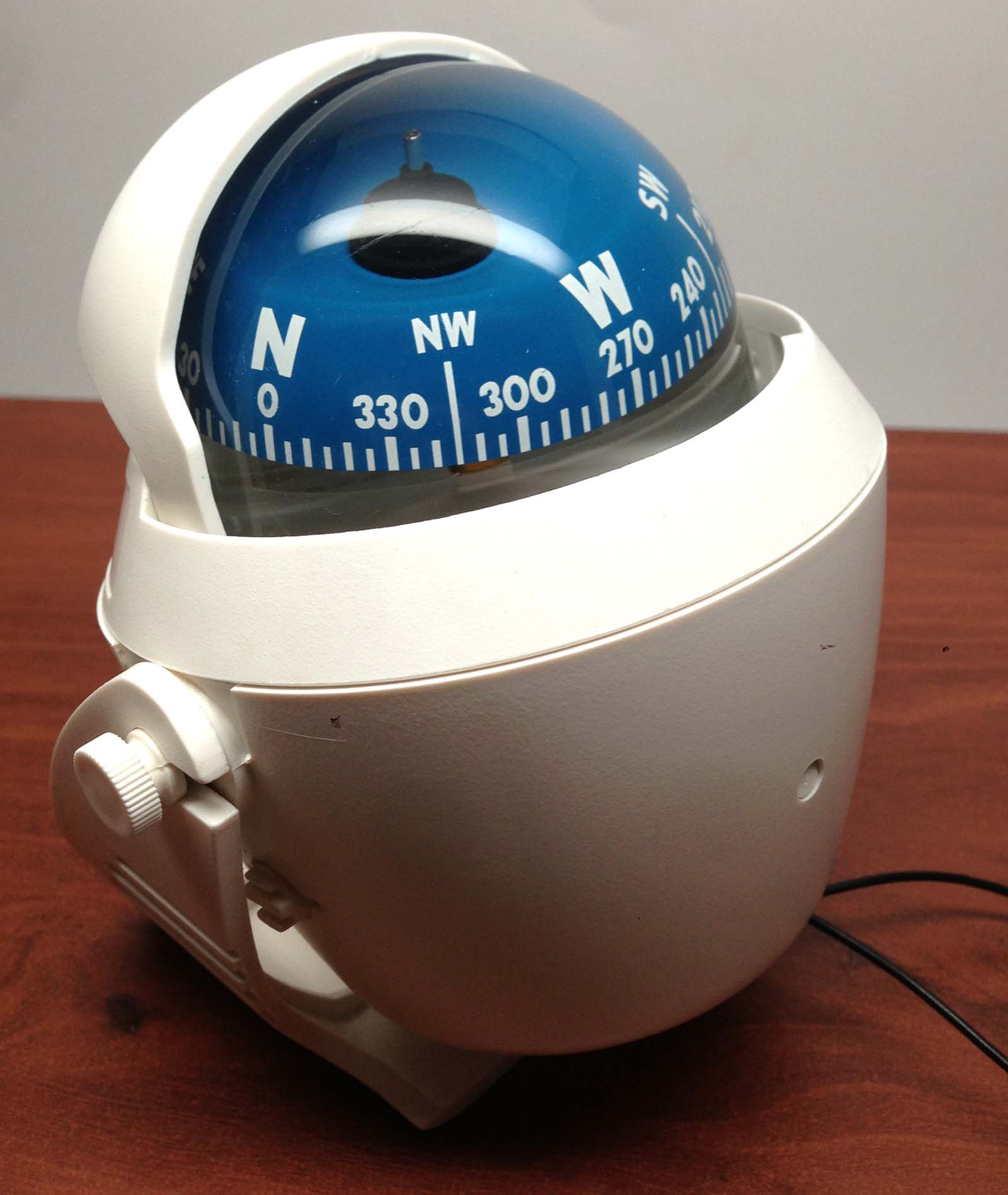 MARINE BOAT NAUTICAL WHITE LIGHTED COMPASS WITH BRACKET VISIBLE